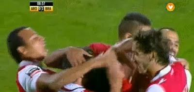 Aderlan Santos marca golo do meio campo no Arouca - Sporting Braga