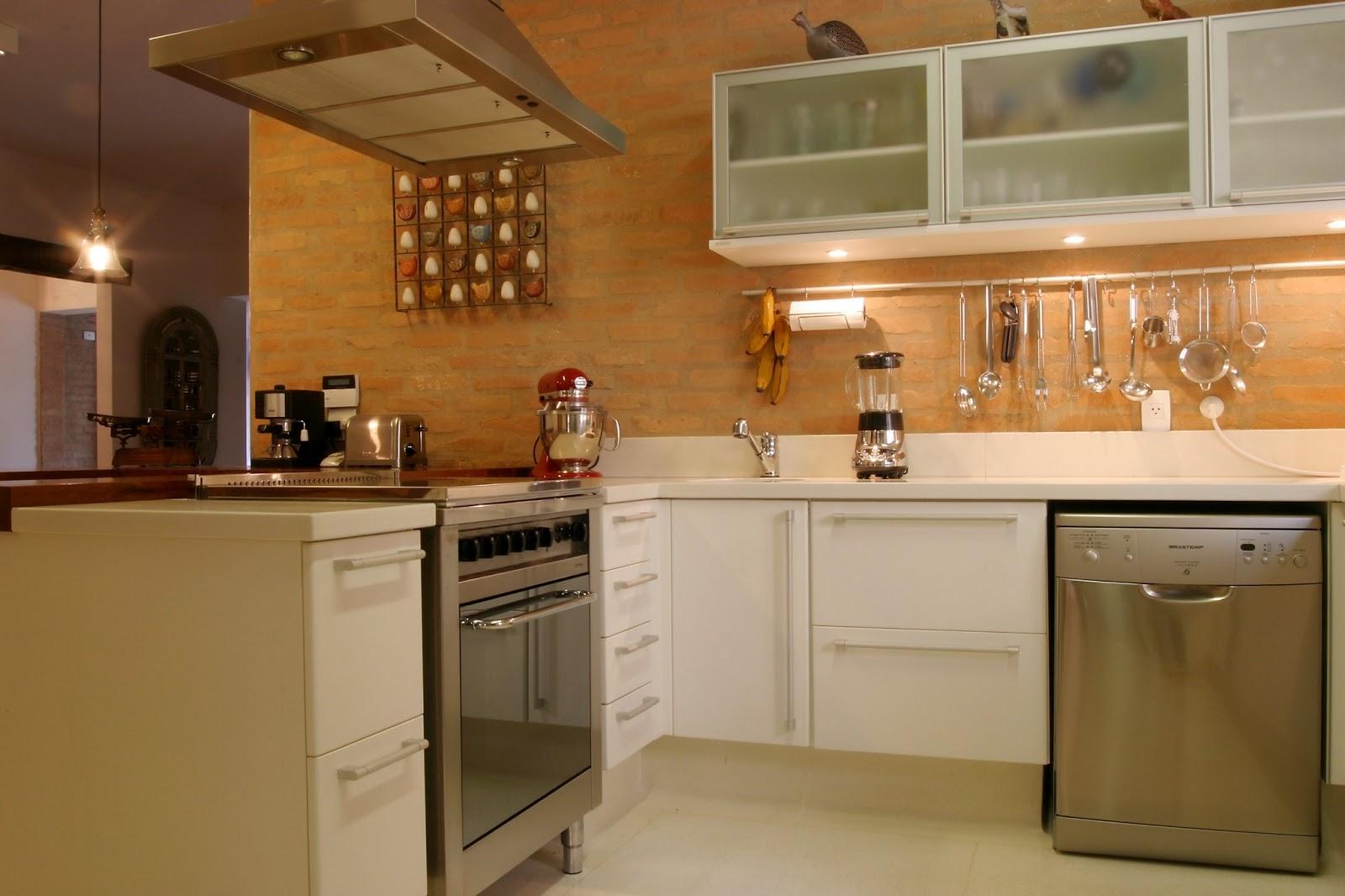 #9B6730 Harmoniosa e linda! O projeto dessa cozinha foi executado porEliane  1600x1066 px Projeto Cozinha Industrial Campinas_4233 Imagens
