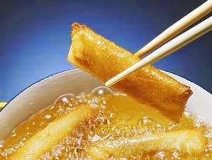 Tips Minyak Tak Memercik Saat Menggoreng