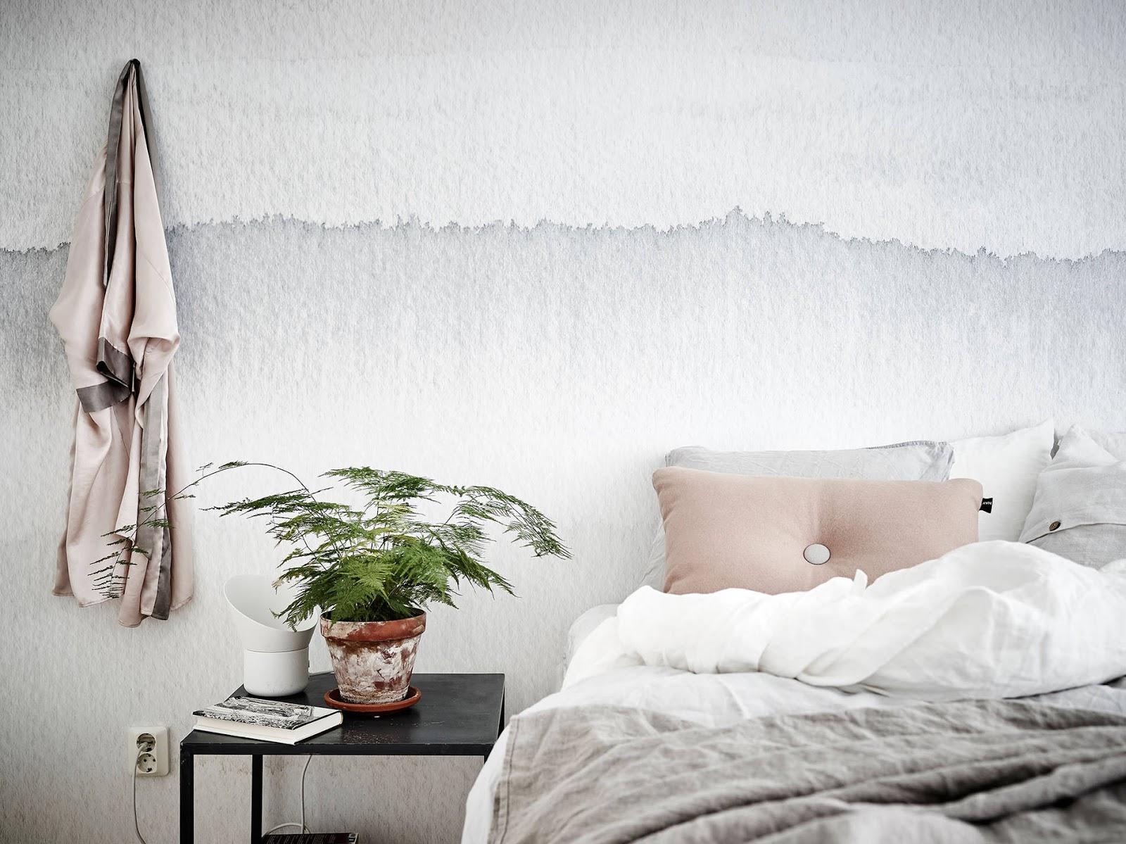 Mitt gröna lilla rum: vackert sovrum med sandbergtapeten gryning