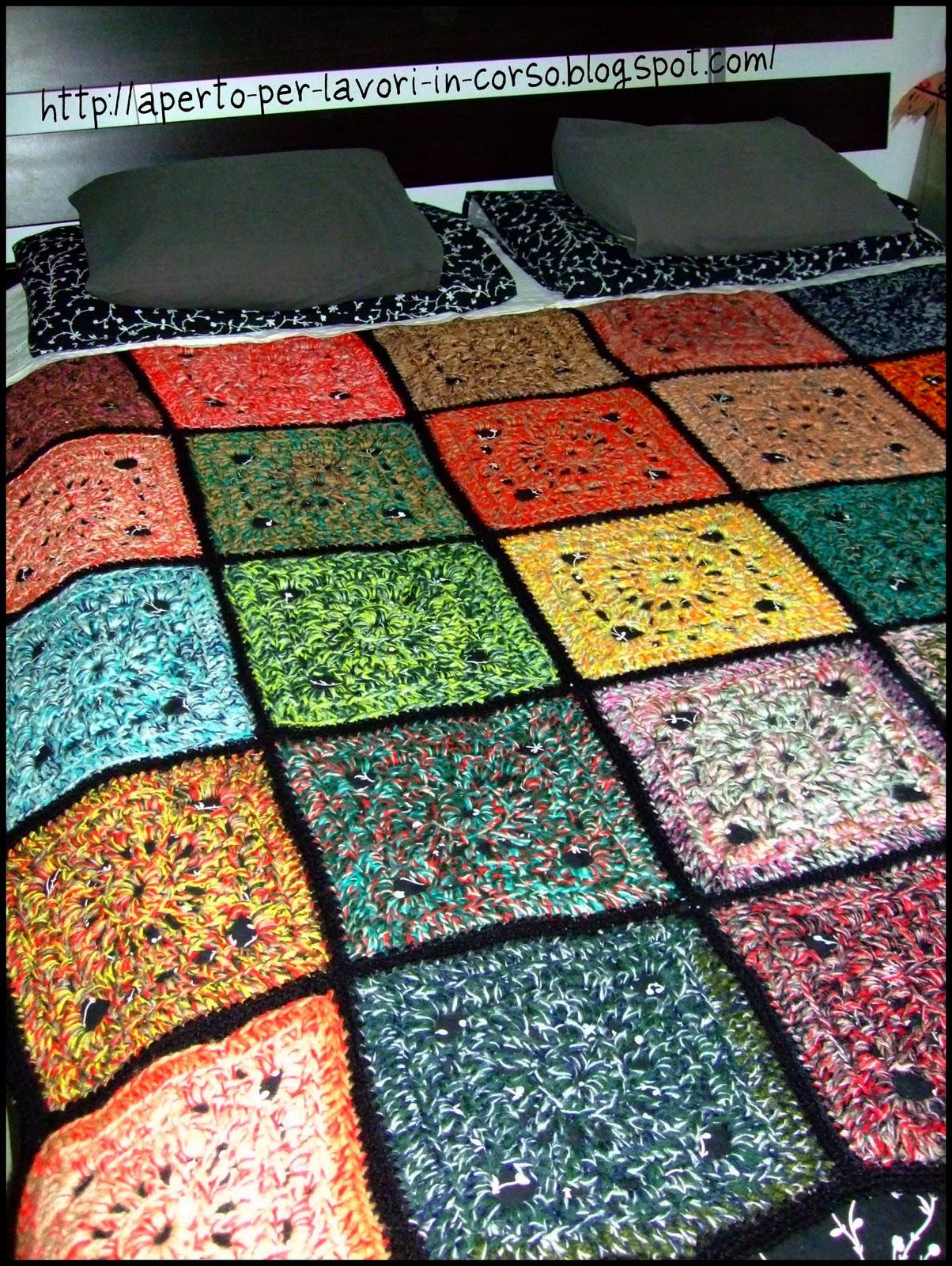 Il blog di laura coperta all 39 uncinetto granny squares - Coperta uncinetto piastrelle ...