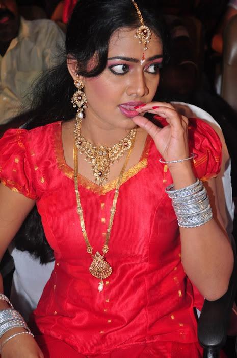 divya vishwanath @ puli vesham audio launch latest photos