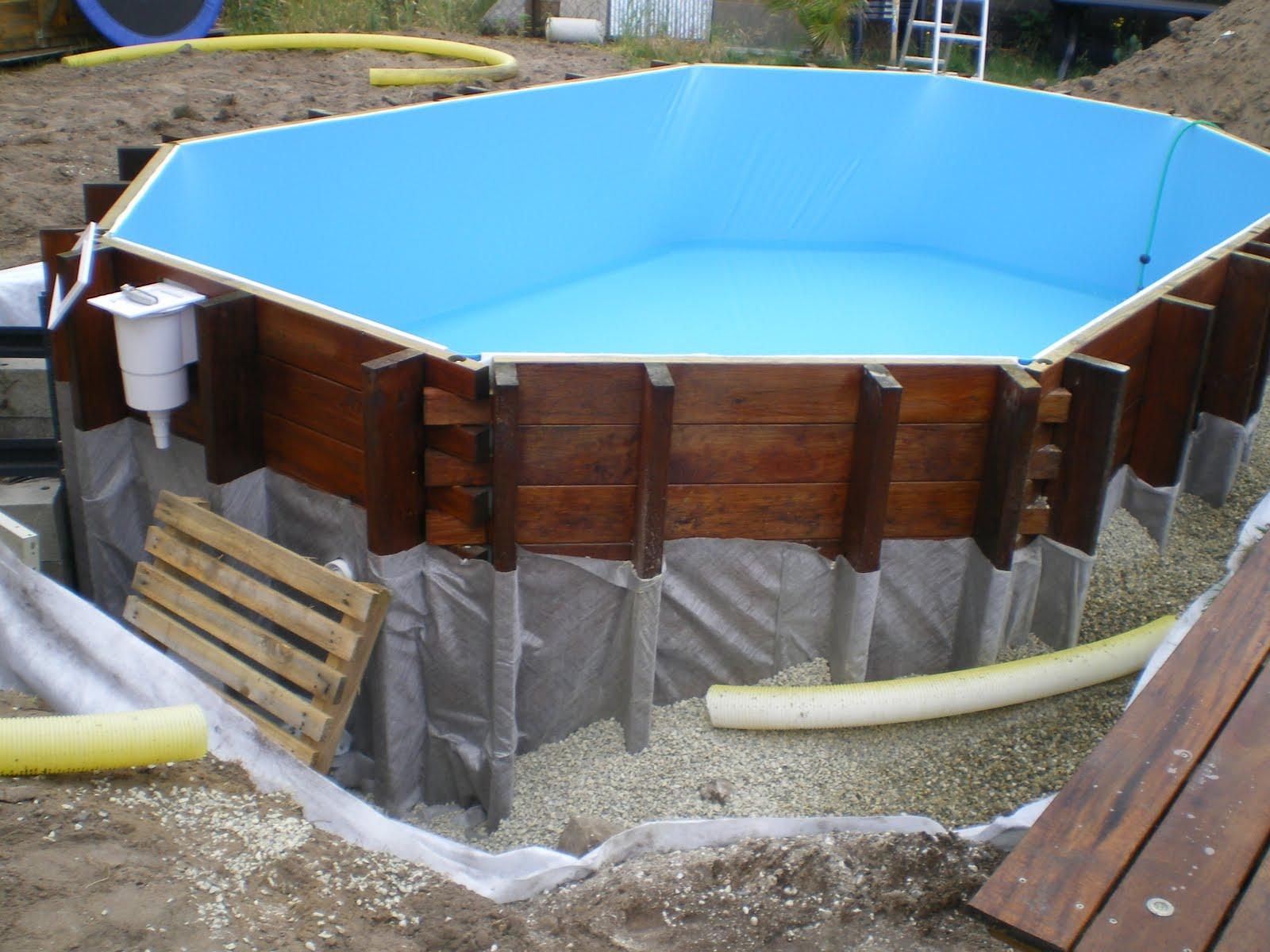 piscine en kit bois phase 5 mise en eau et pose du drainant. Black Bedroom Furniture Sets. Home Design Ideas