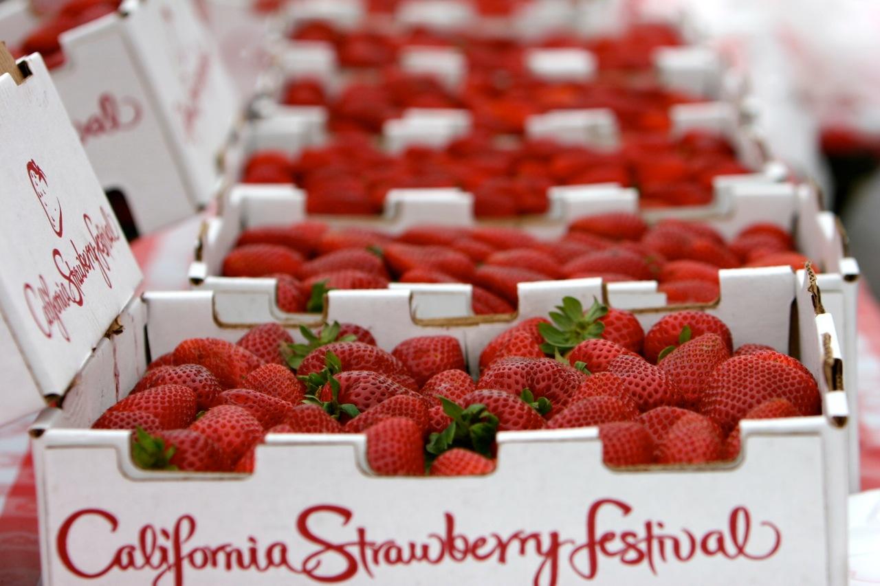 Strawberries And Cream Cake Recipe - Proper FoodProper Food