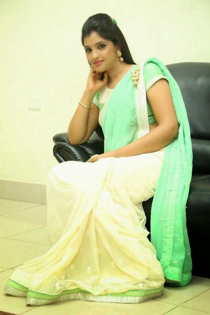 S, Shyamala, Shyamala saree stills, latest Actress HD Photo Gallery, Latest actress Stills, HD Actress Gallery, Saree pics, Telugu Movie Actress, Tollywood Actress, Actress HD Photo Gallery, Anchor Shyamala Latest Saree Stills