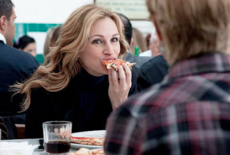JULIA ROBERTS Eats PIZZA