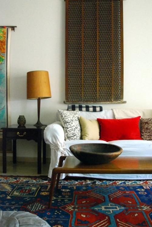 farbkräftige Teppiche als Einrichtungsleitfaden - Kissen