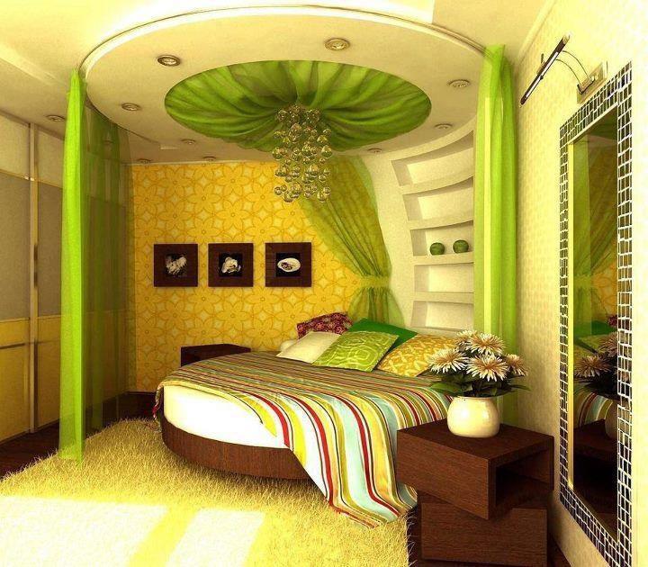 il colore marrone è dato dal legno di varie tonalità e dal muro ...