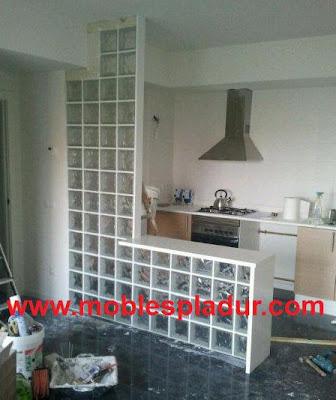 Pladur barcelona instaladores separador bloques de vidrio - Cocinas con bloques de vidrio ...