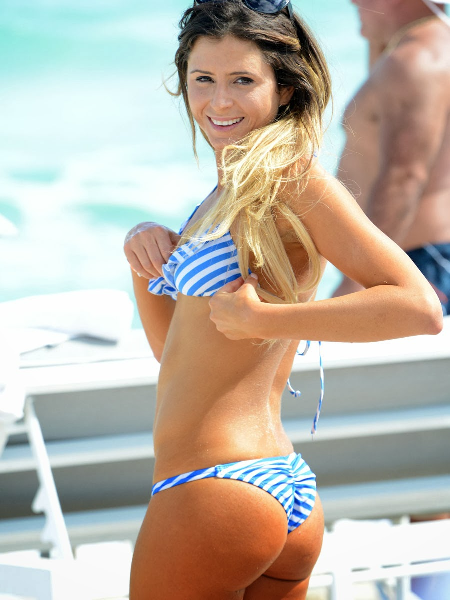 Anastasia Ashley Ass Prancing Bikini Candids In Miami