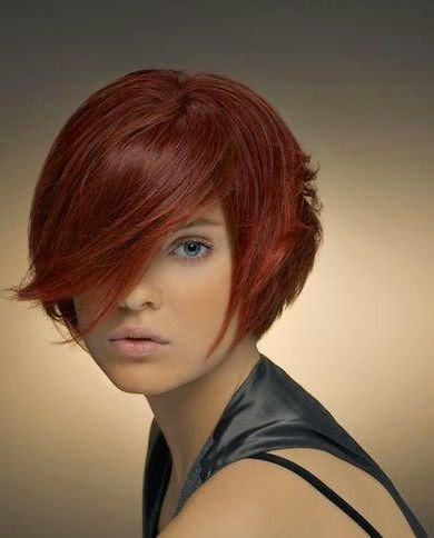 Kurze Haare Frau 2015