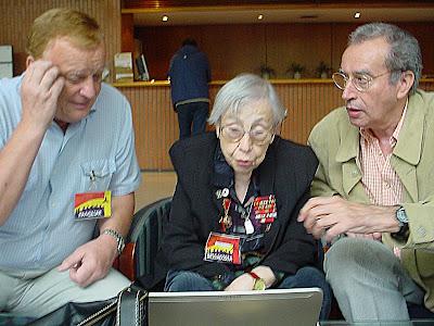 Adelina reunida amb Oleg Antonov i Pere Ribalta a Sabadell l'octubre del 2006.