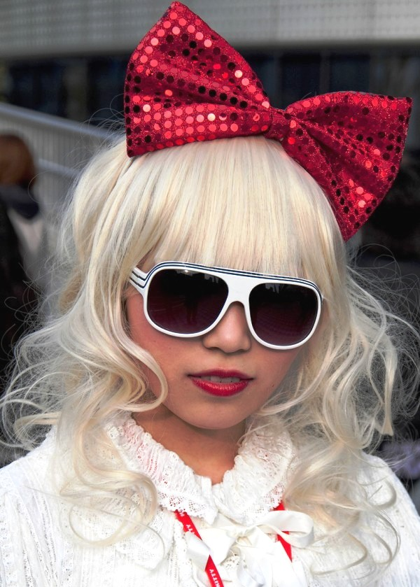 lady gaga bow wig. lady gaga bow wig.