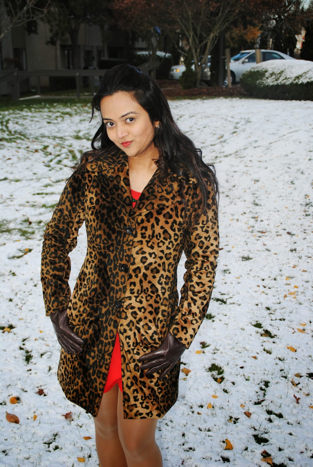 indian fashion blogger, Leopard printed coats, Designer leopard printed jacket, Fashionable leopard prints, Indian Lady with a leopard printed jacket, Seattle winter fashion, beautiful girl in snow