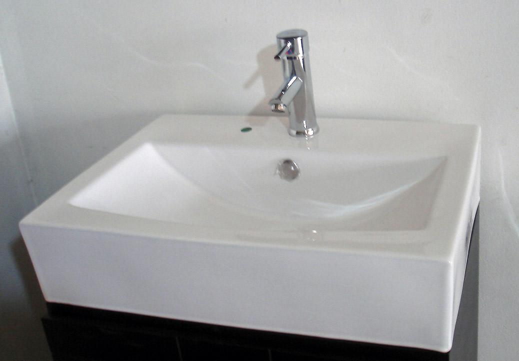 Gabinete y lavabo para ba o minimalista muebles y for Lavabo minimalista