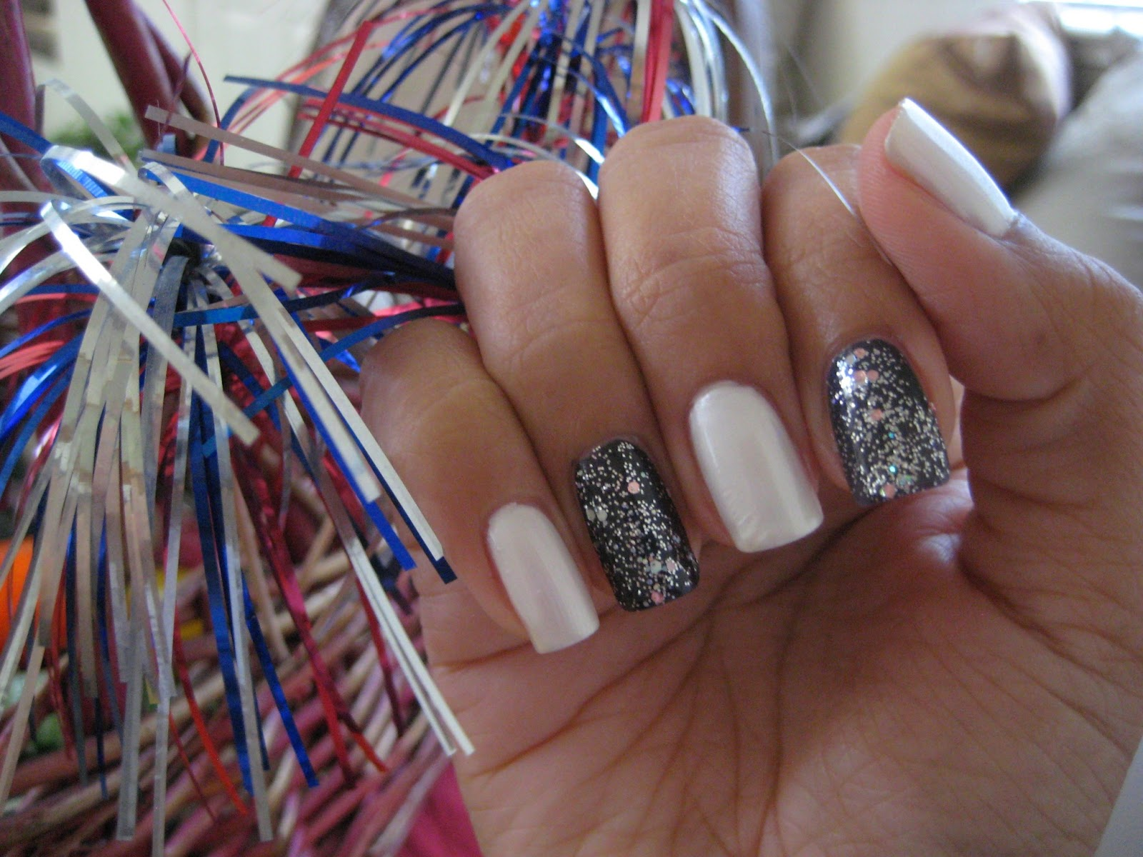 5 finger discount cute holiday nail art on a budget birthday birthday party nails prinsesfo Choice Image