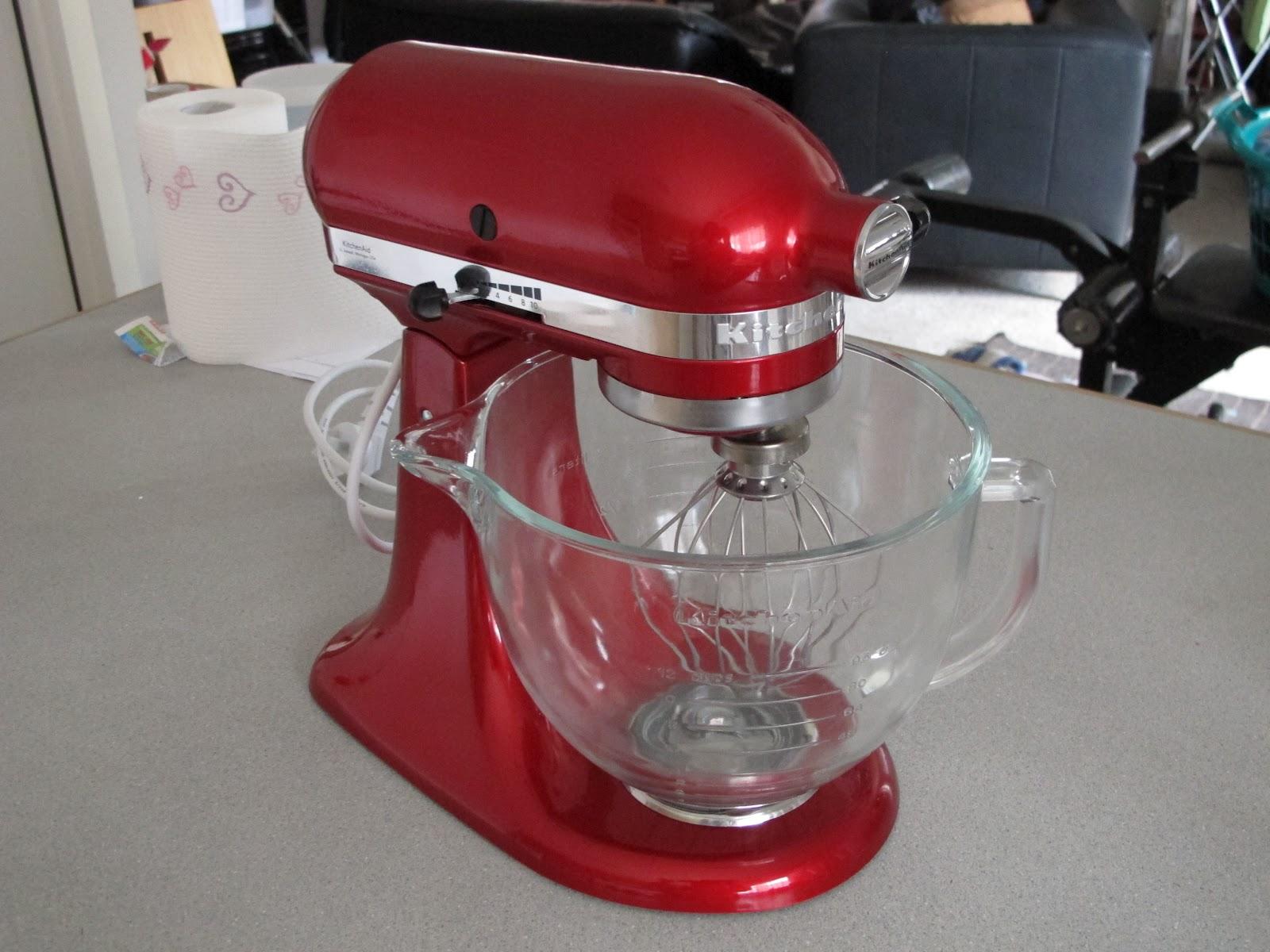 jojo's crafty love: Candy Apple Red Kitchenaid Platinum Collection