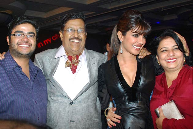 Photo: Priyanka Chopra With Her Family