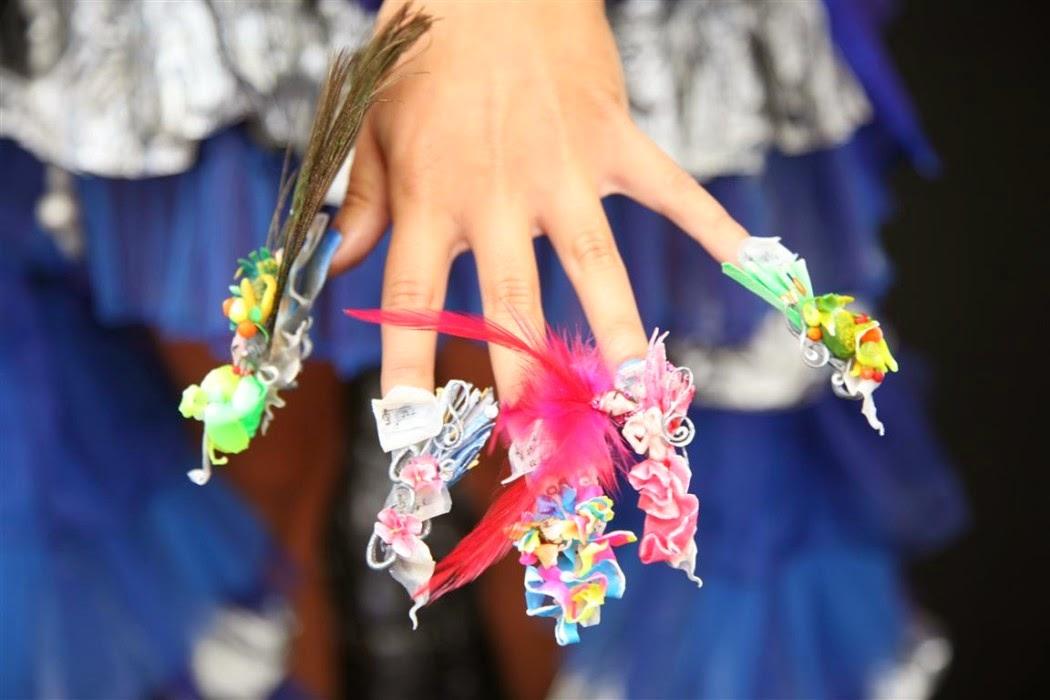 competencia de uñas
