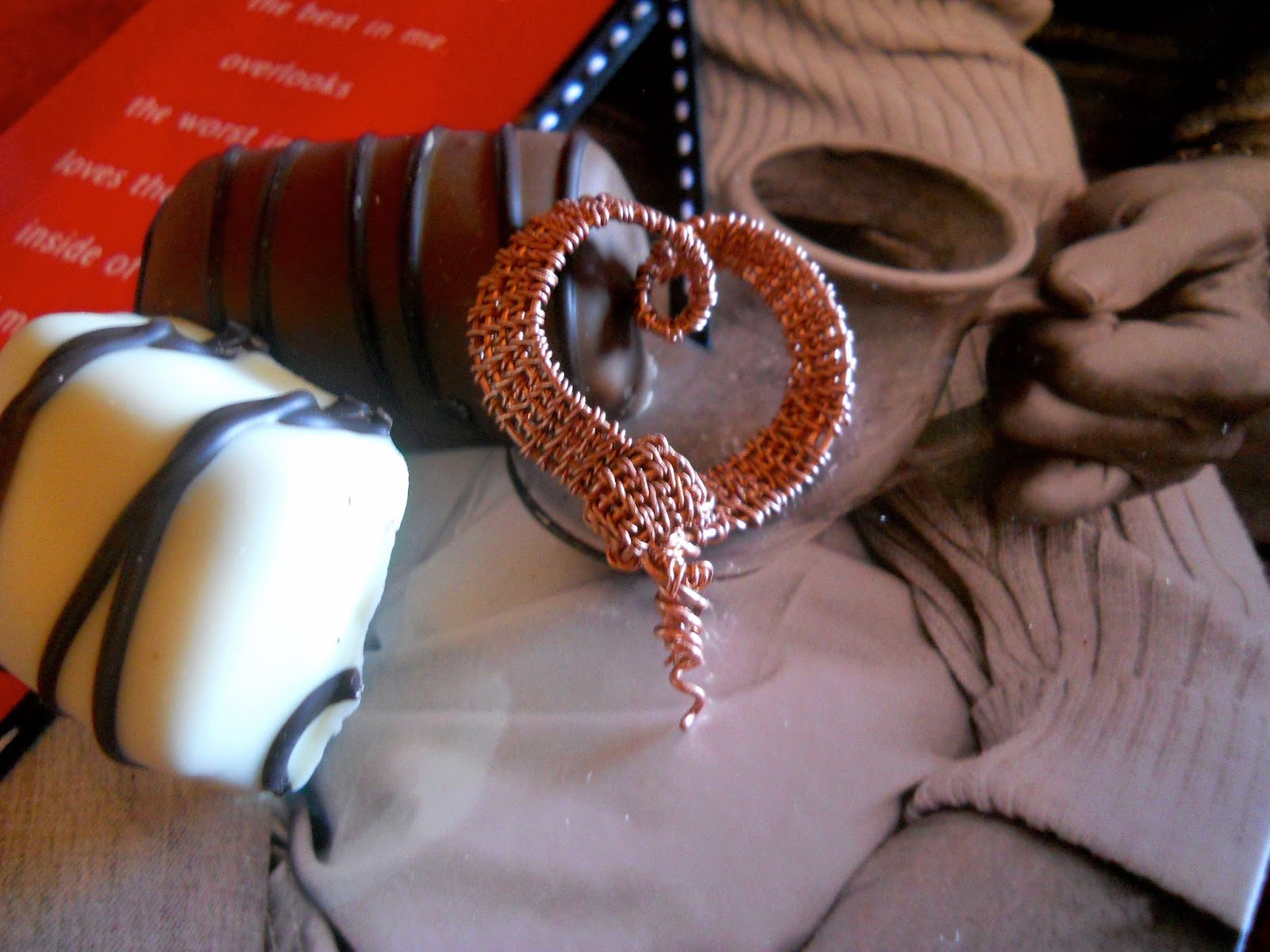 wind dancer studios, hand woven wire ribbon heart