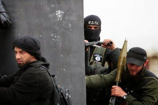 """بالفيديو.. تسجيل صوتي لأيمن الظواهري يأمر """"جبهة النصرة"""" بإيقاف المعارك ضد """"داعش"""""""