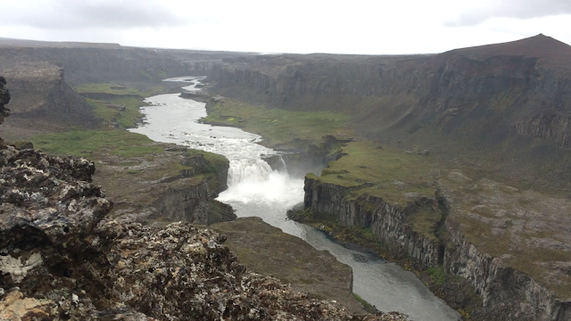 picture of Dettifoss gorge