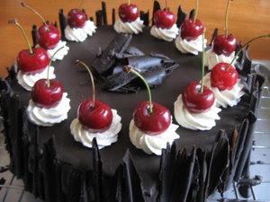 Cara membuat kue tart coklet.