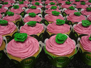 Green and Pink Rose Cupcakes