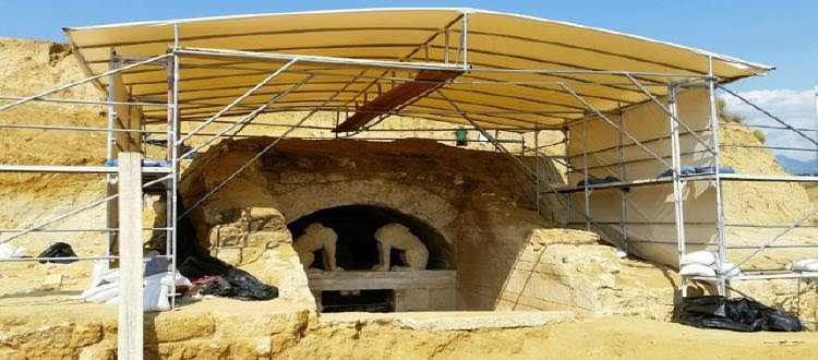 (ΕΛΛΑΔΑ)Αμφίπολη :Νέες φωτογραφίες απο τα εντυπωσιακά ευρήματα