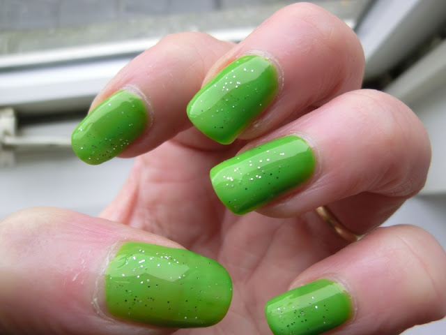 Simple Pleasures Green Polish Swatch with glitter