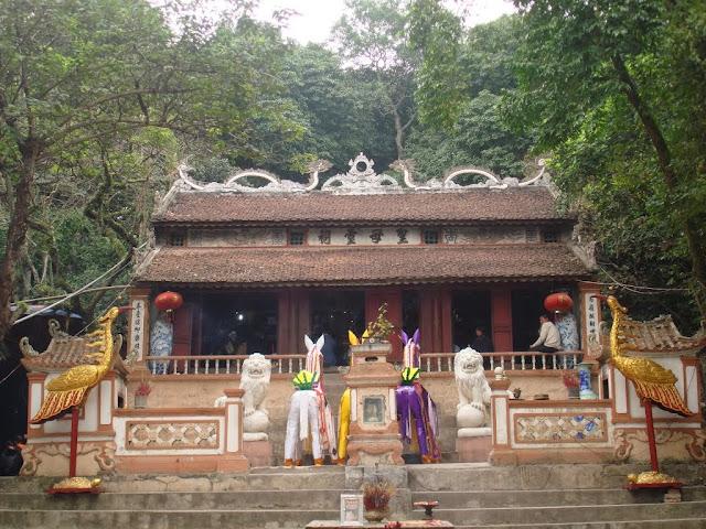 Cho thuê xe đi đền Ông Hoàng Mười - Đông Cuông - Đền Mẫu