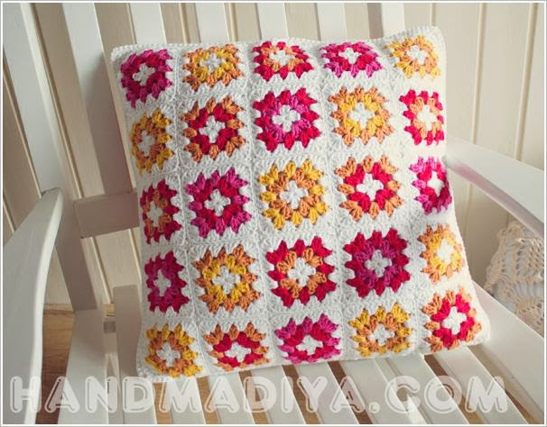 вязаная наволочка на подушку. Crochet pillowcase on the pillow