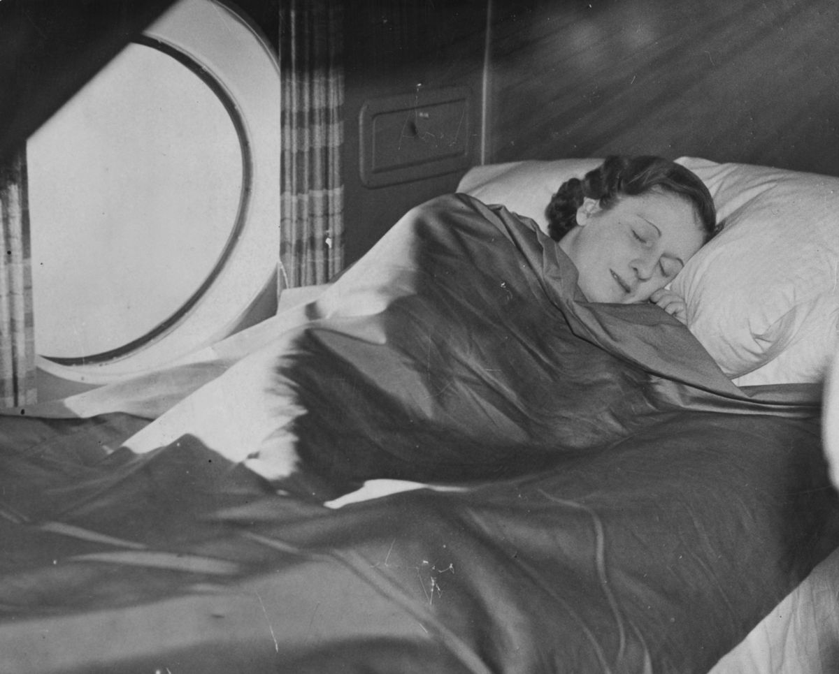 hispanic singles in pullman Description part of a pullman porter's job was to make up the sleeping berths in his assigned sleeping car, and to provide extra blankets to passengers requesting them.