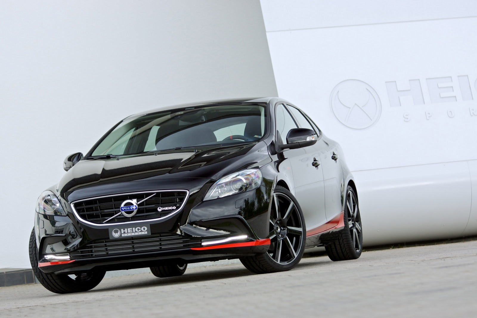 davide458italia volvo v40 pirelli special edition by heico sportiv. Black Bedroom Furniture Sets. Home Design Ideas