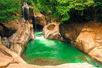 Tempat Wisata Air Terjun Nyarai Pariaman
