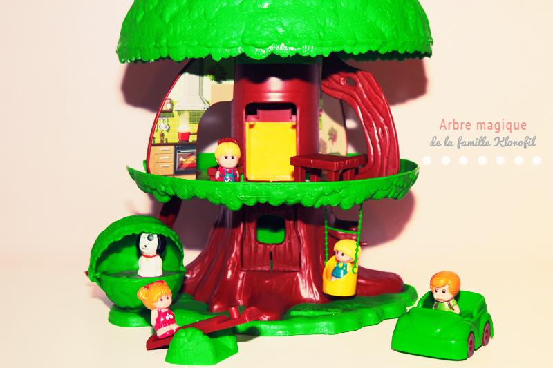 instant souvenirs l 39 arbre magique de la famille klorofil. Black Bedroom Furniture Sets. Home Design Ideas