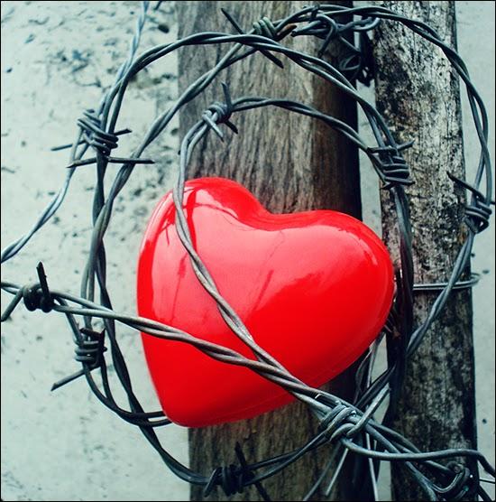 Puisi Putus Cinta Paling Menyakitkan Tergokil
