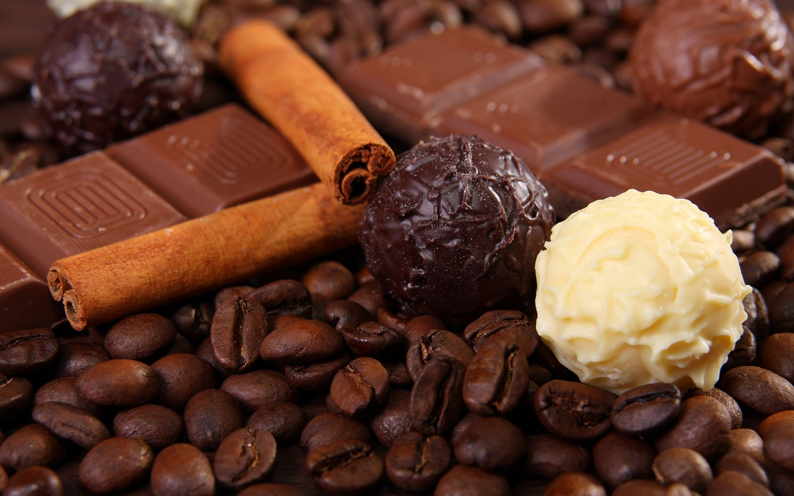 http://1.bp.blogspot.com/-Mb5EQ2eJ4Fo/To7BPjA6gcI/AAAAAAAANxk/bVWbQ6vdK4o/s1600/Lekkere-chocolade-achtergronden-hd-chocolade-wallpapers-afbeelding-foto-24.jpg