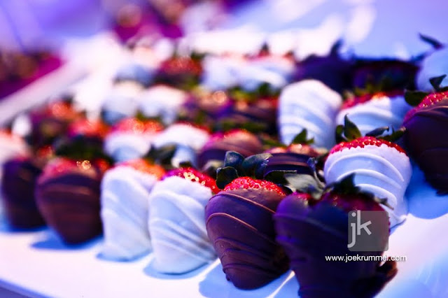 Chocolate Dipped Strawberries for Wedding