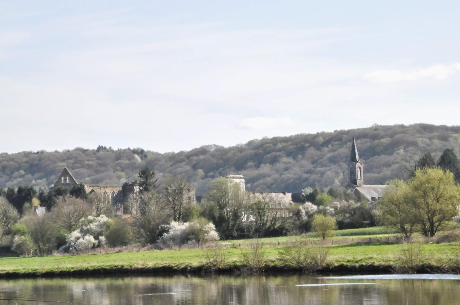 Abbaye d'Aulne, Hainaut, Belgique, une balade à découvrir sur www.sandradulier.com