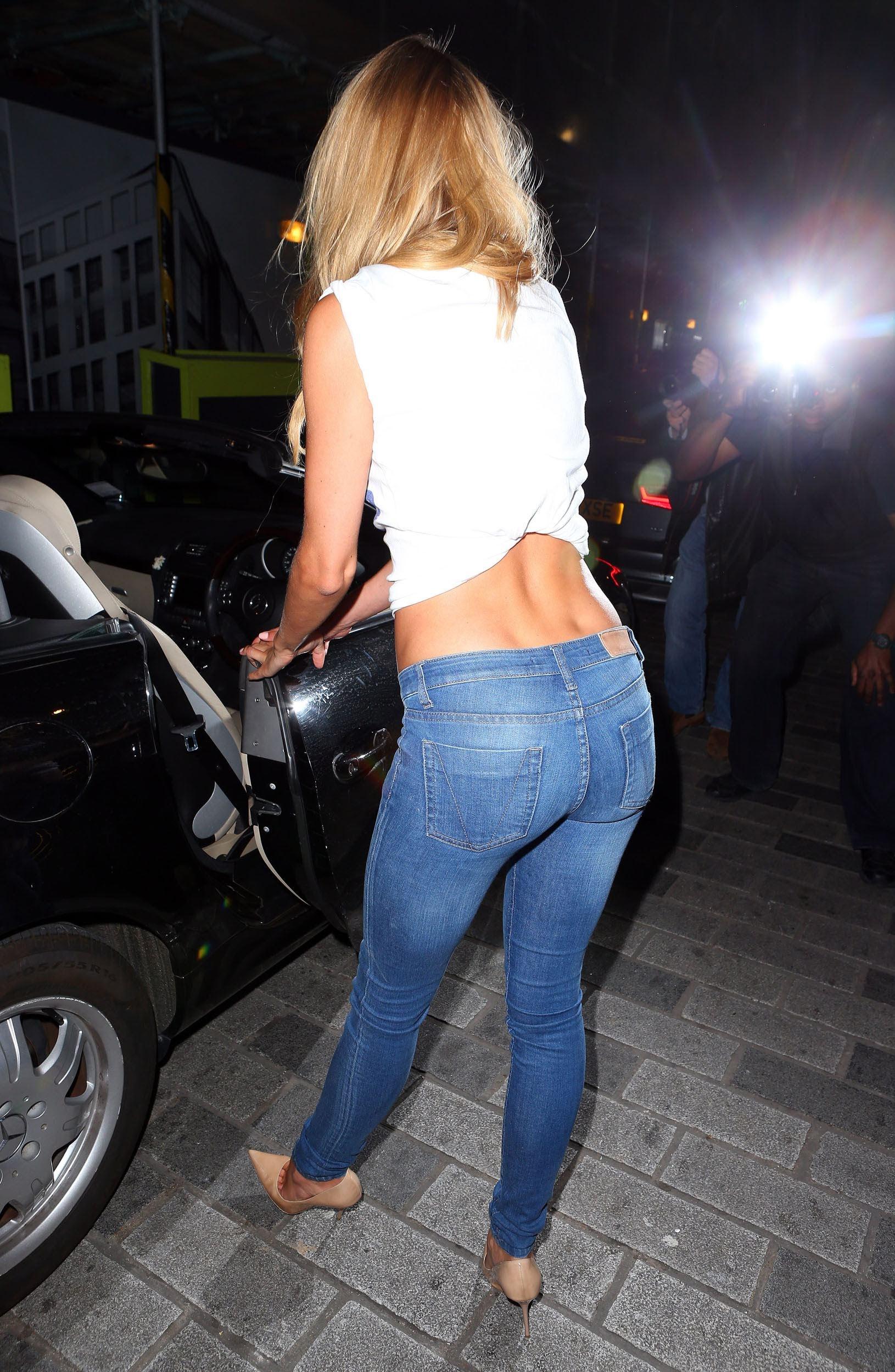 Fotos em HQ : Kimberley Garner : Jeans for Genes 2013 - Jewel Bar em ...