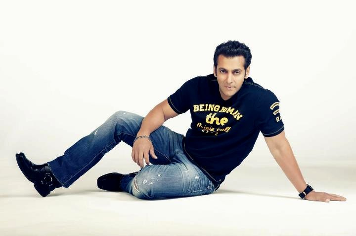 Salman khan latest clothing collection 2012 13 by being for Being human t shirts buy online india
