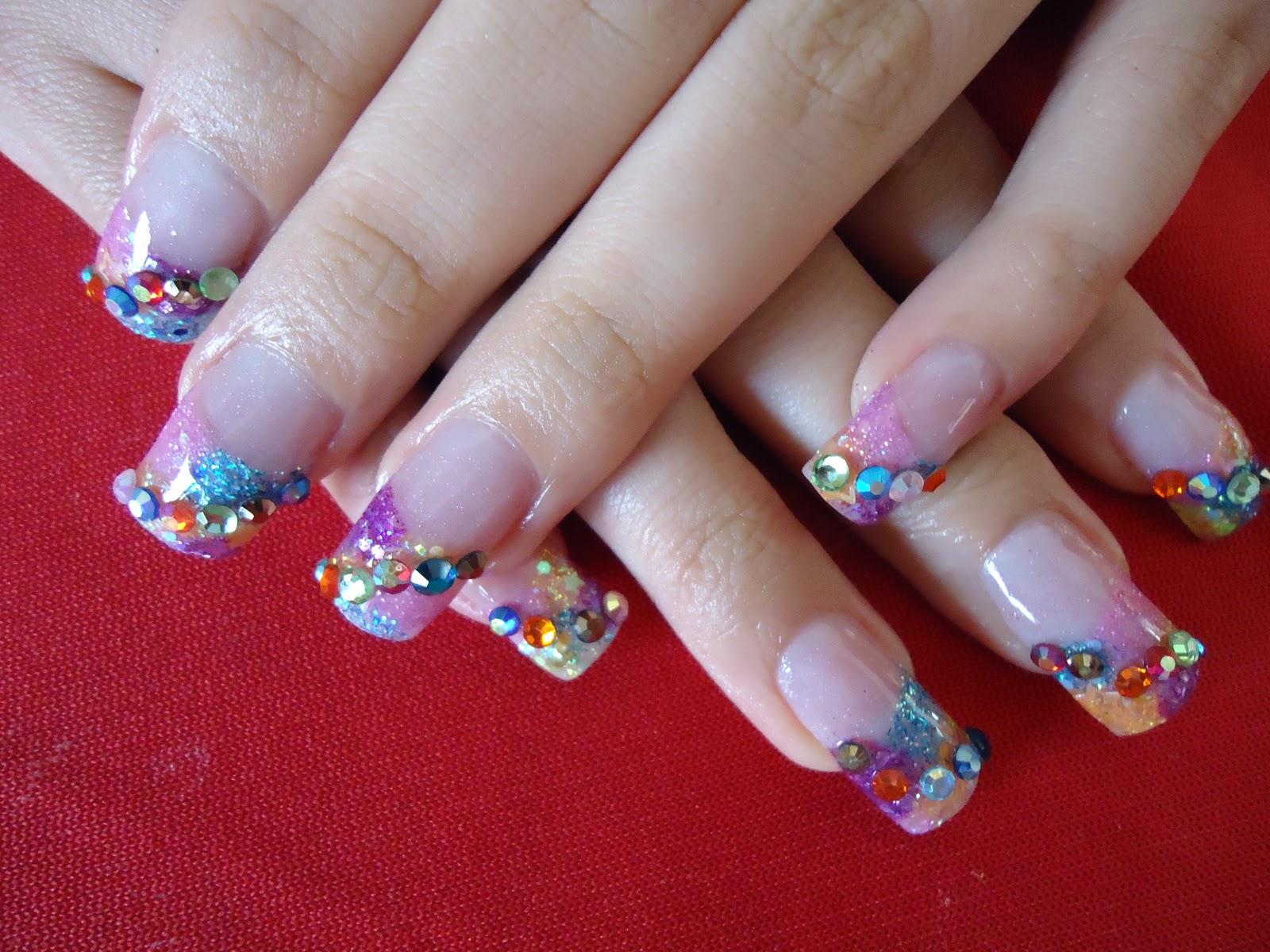 Uñas de lujo: Hermosos diseños de uñas acrílicas con