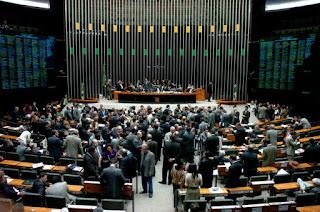 Câmara rejeita emenda para redução da maioridade penal no Brasil