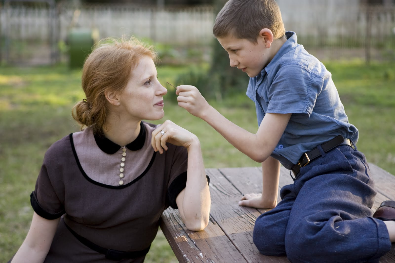 http://1.bp.blogspot.com/-McL3DEPtkFM/Tl9a-ayjy-I/AAAAAAAABSQ/KXTKLPE3VzE/s1600/tree-of-life-movie-image-jessica-chastain-02.jpg