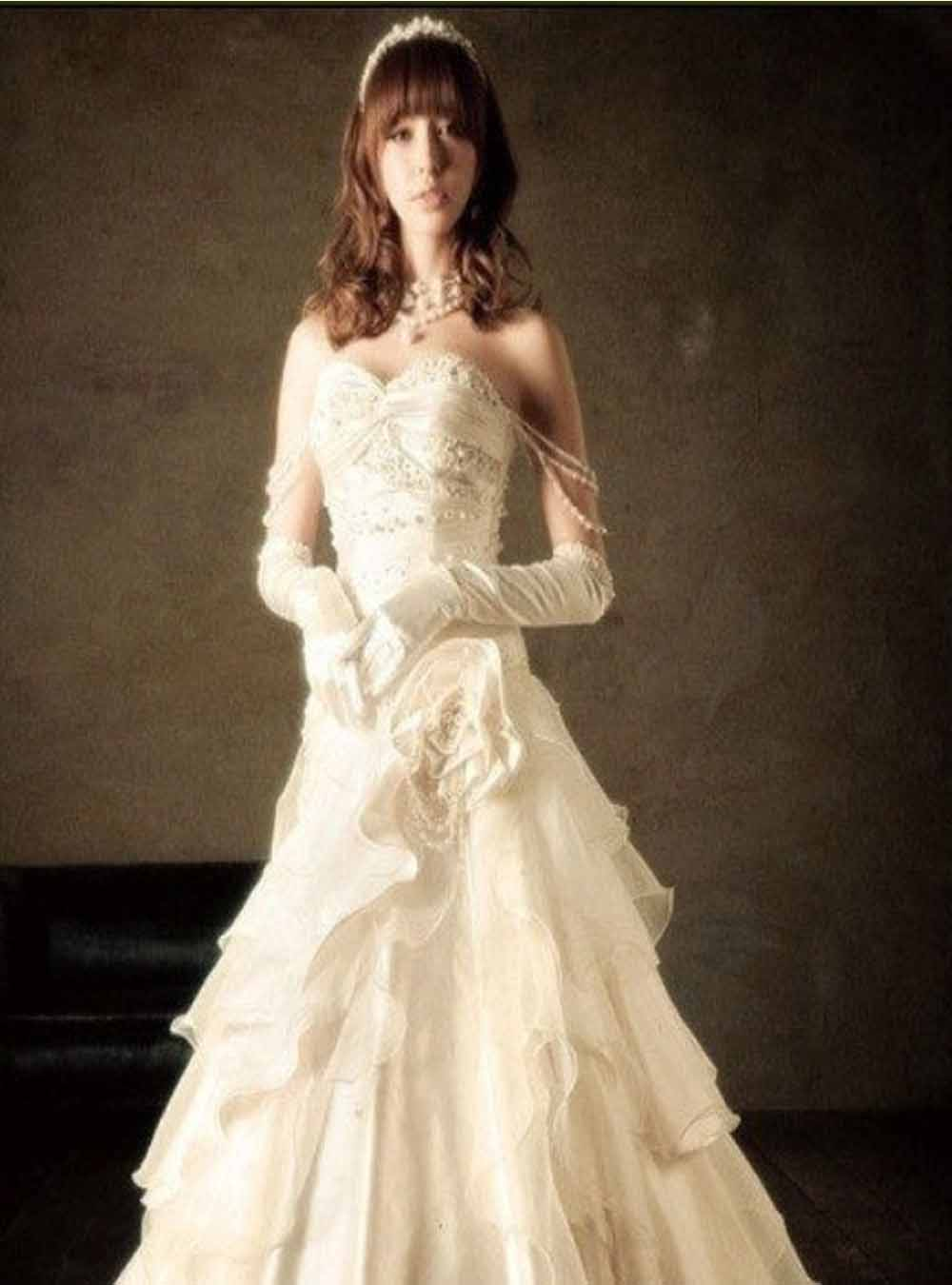 Wedding simple dresses all about 24 for Simple and beautiful wedding dresses