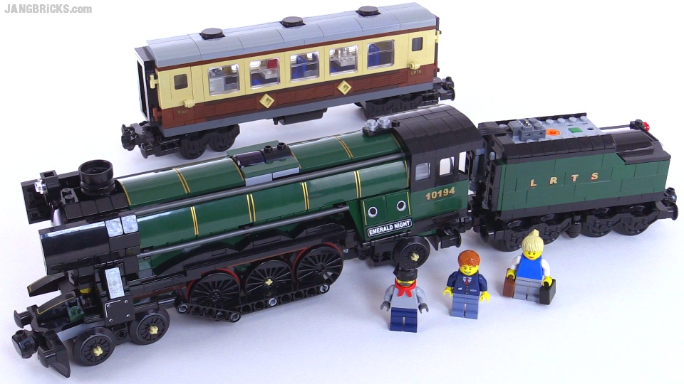 LEGO Emerald Night train from 2009 reviewed! set 10194