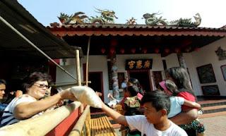 Ritual King Ho Ping, 2.000 Paket Sembako Dibagikan