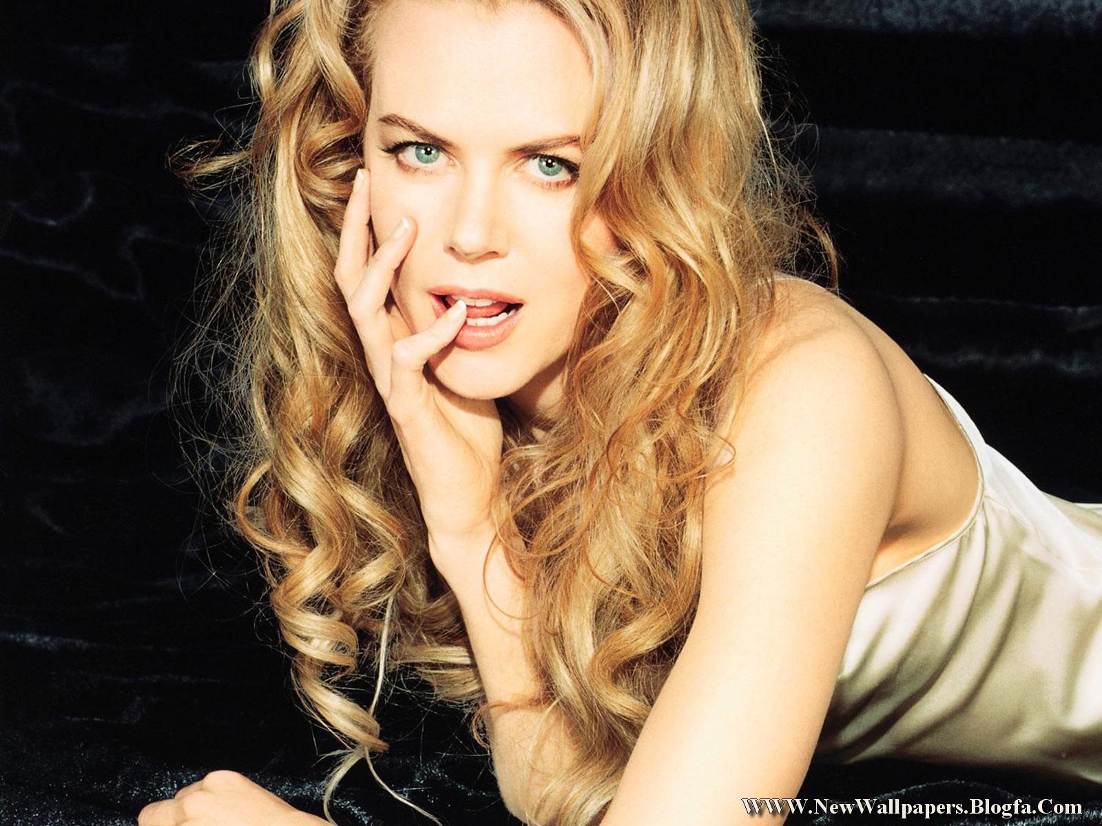 http://1.bp.blogspot.com/-McsZTU6f0Ng/Tka0y5KAkYI/AAAAAAAABRc/CThHbwKmST8/s1600/Nicole+Kidman.jpg