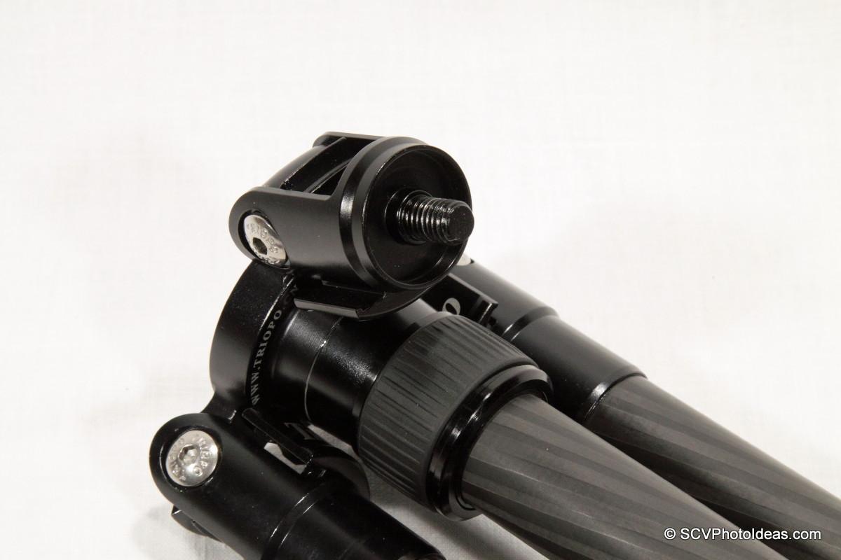 Triopo GT-3228X8C monopod leg screw stud - detail